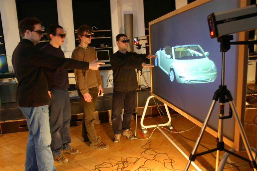 Neues 3D-Projektionsdisplay für vier Benutzer