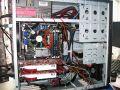 Conroe-System mit 975XBX, rot umrandet die AA-Nummer