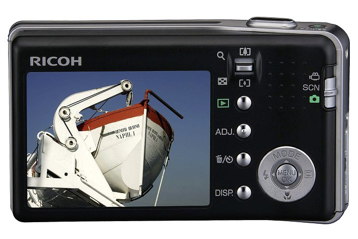 Flache Ricoh mit 7,1fach optischem Zoom und 7,24 Megapixeln