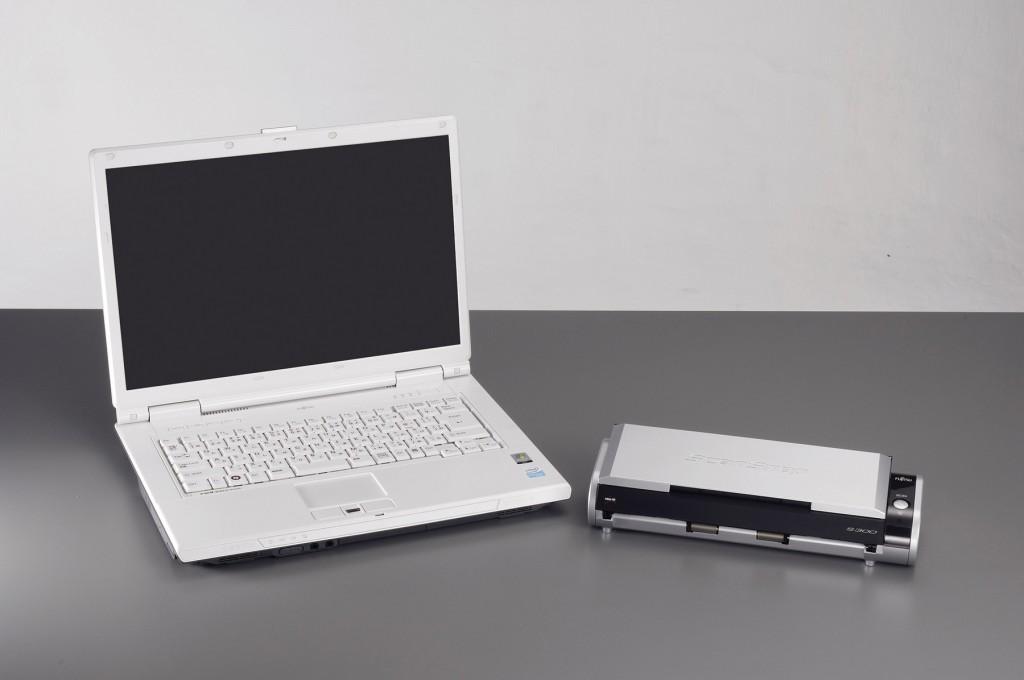 Winziger A4-Einzugsscanner mit Duplex-Funktion von Fujitsu - Fujitsu ScanSnap S300