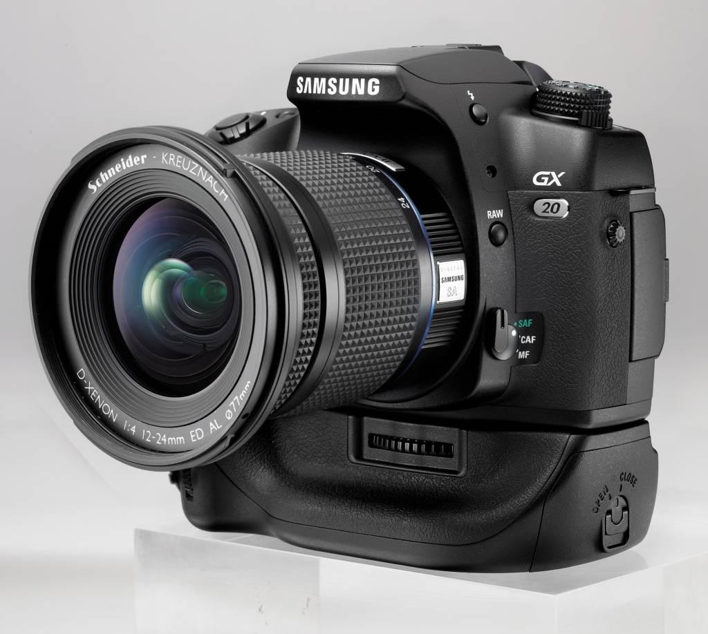 Pentax K20D: DSLR mit gesteigertem Dynamik-Umfang - GX20 mit Batteriegriff