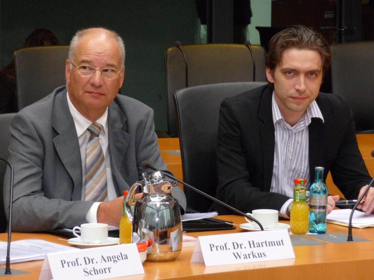 """Onlinesucht im Bundestag: """"Viel Ahnen, wenig Wissen"""" -"""