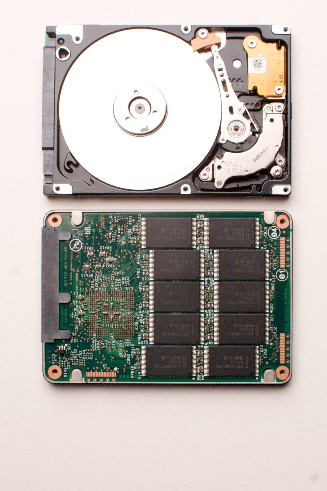 IDF: Schnelle SATA-SSDs mit bis zu 160 GByte von Intel (U) - Intels SSD von Innen
