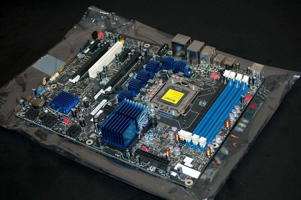 Nvision: Nvidia bietet SLI-Lizenz für Intel-Mainboards an - Intel-Mainboard DX58SO