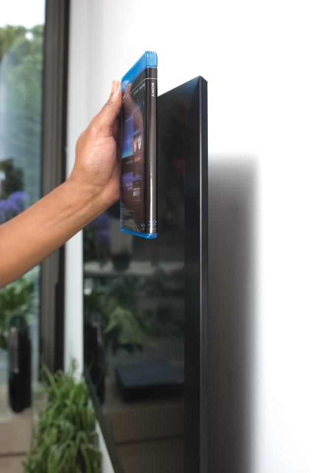 Neue Sony-Fernseher - superdünn, 240 Hz, RGB-LED-Backlight - Auf der IFA 2008 zu sehen: Sony KDL-40ZX1