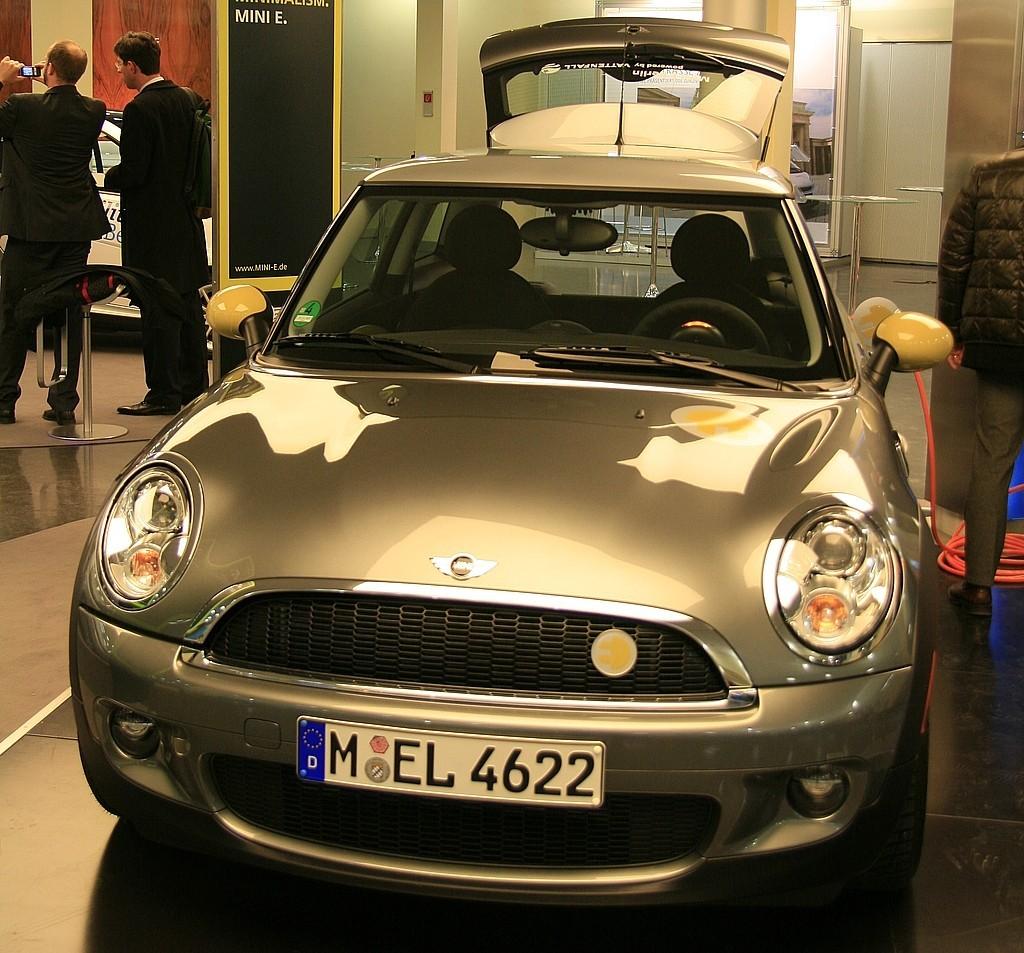 Das Auto der Zukunft ist elektrisch  - Elektro-Mini (Foto: wp)