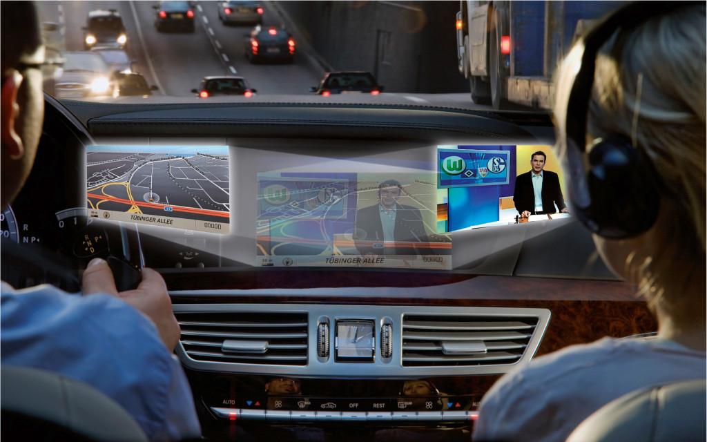 Mercedes SplitView - zwei Programme auf einem Bildschirm - SplitView von Mercedes Benz
