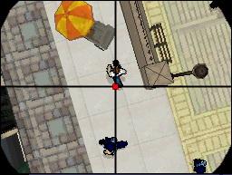 Spieletest: GTA Chinatown Wars - Hosentaschengangster - Per Fadenkreuz nimmt der Spieler einen Gegner ins Visier.