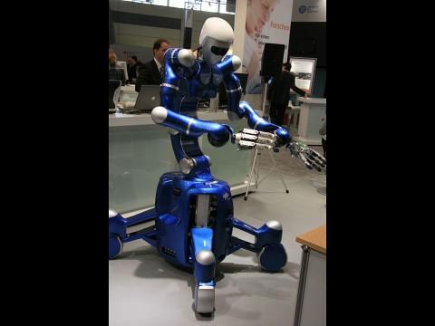 Der Serviceroboter Justin wurde vom Deutsche Zentrum für Luft- und Raumfahrt entwickelt (Foto: wp)