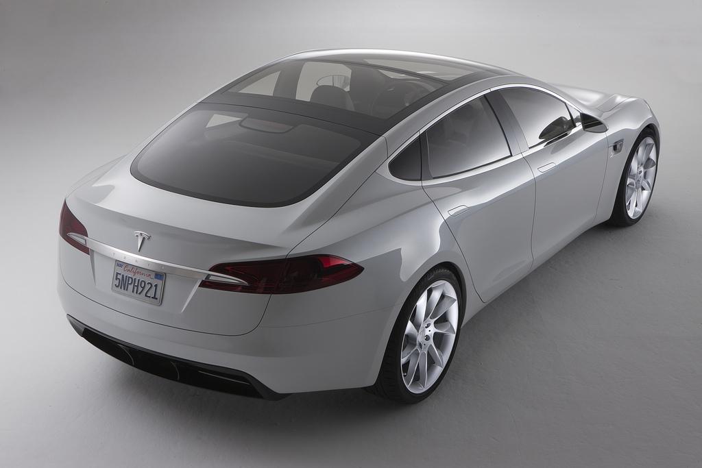 Daimler Steigt Bei Tesla Motors Ein Screenshots