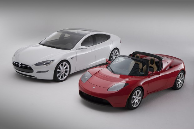 Model S und der Tesla Roadster (Foto: Tesla Motors)
