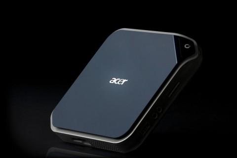 Acer Aspire Revo: Das Gehäuse hat ein Volumen von nur einem Liter.