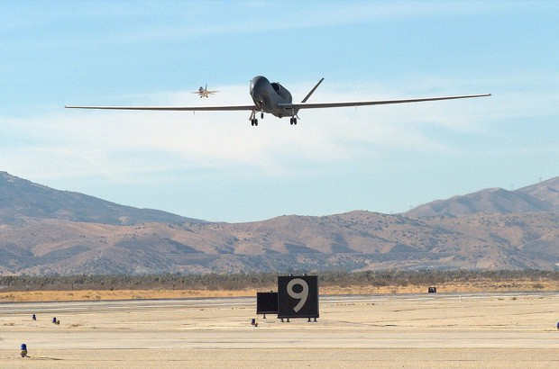 Global Hawk im Landeanflug (Foto: Northrop Grumman)