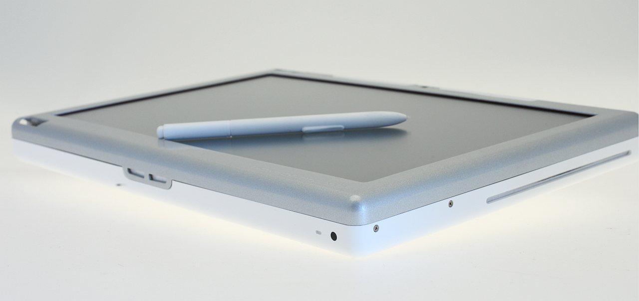 Test: Modbook - ein Macbook als halber Tablet-PC - Auch ein DVD-Brenner befindet sich im Modbook.