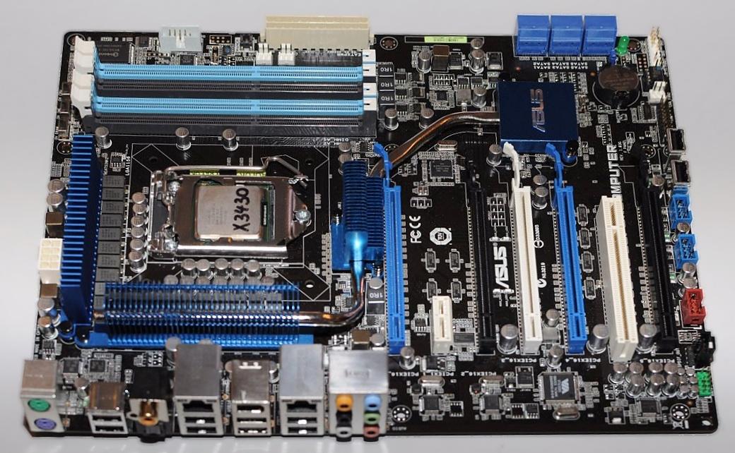 Asus zeigt Core-i5-Mainboard mit fünf PEG-Slots -