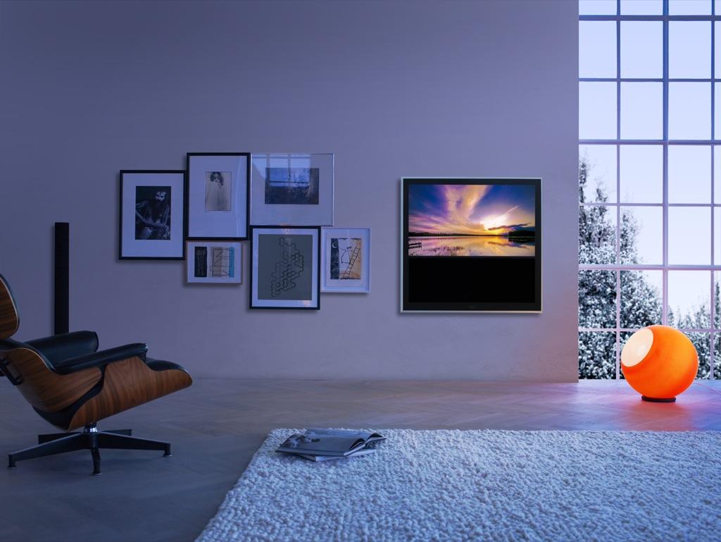 Bang & Olufsen: Wandbild als Fernseher - Bang & Olufsen BeoVision 10
