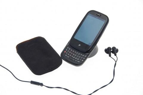 Palm Pre mit Tasche und Stereo-Headset