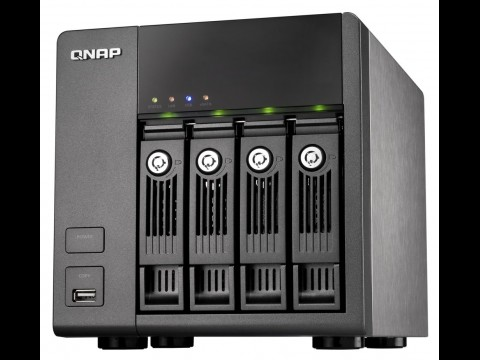 QNAP TS-410: Das Display der großen Modelle fehlt ...