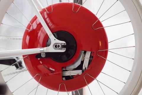 Das Copenhagen Wheel ist eine Art Kers fürs Fahrrad... (Foto: Max Tomasinelli)