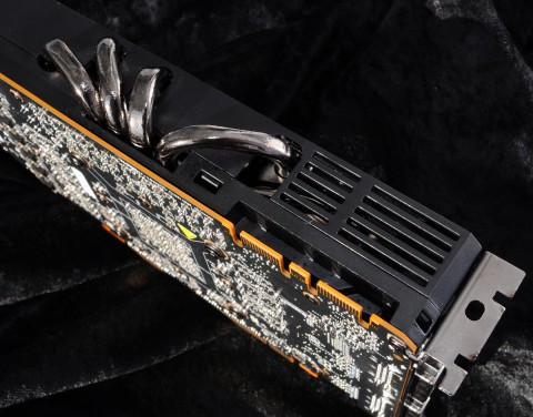 Fünf Heatpipes müssen die Wärme von der GPU ableiten