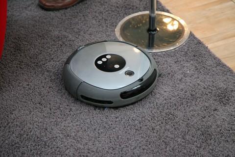 Samsung Navibot - noch nicht angekündigtes Einsteigermodell auf einer Samsung-Roadshow im März 2010