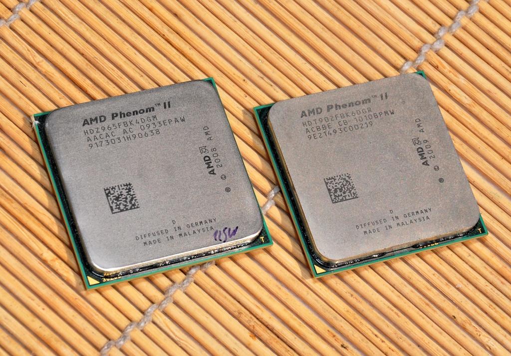 Test: Phenom II X6 1090T - AMD holt mit 6-Kerner auf - AMDs Phenom II X6 (rechts)