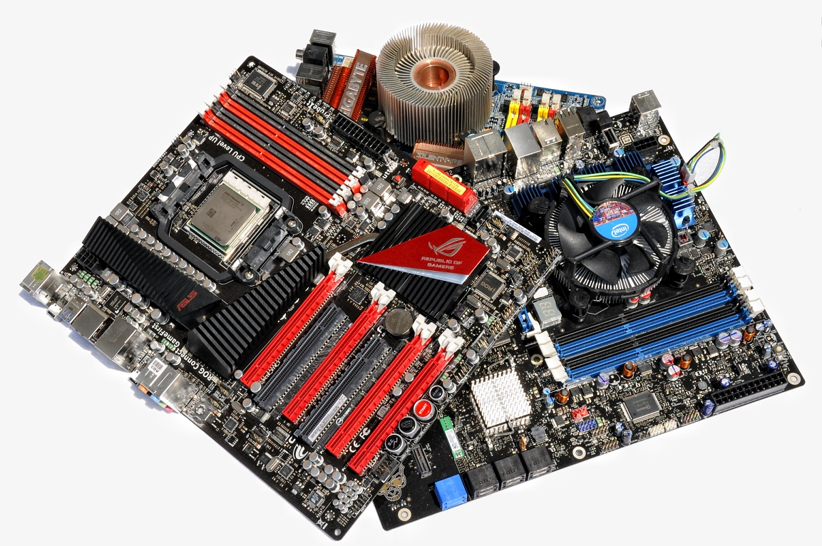 Test: Phenom II X6 1090T - AMD holt mit 6-Kerner auf - Wer gewinnt in der Champions League?