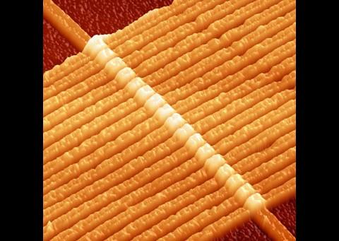 HPs erste Memristoren von 2008 aus 17 Titandrähten