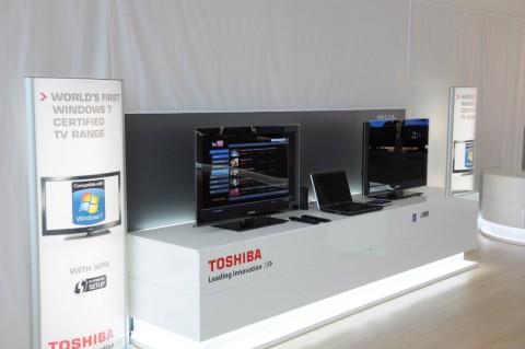 Toshibas Fernseher mit Windows-7-Zertifikat und das A660 dazwischen