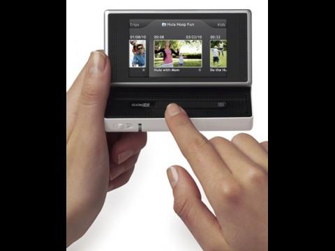 Flip Slide HD - Minivideokamera mit Touchscreen und Sensorleiste zum Spulen