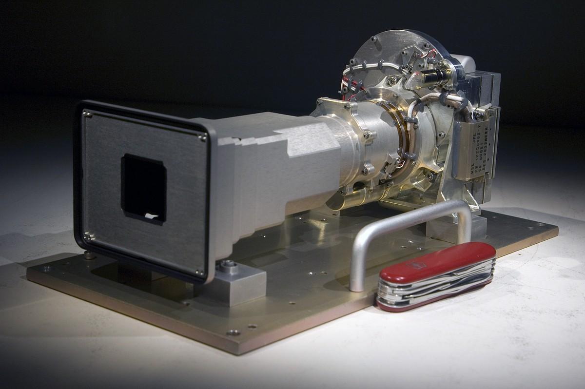 Cameron unterstützt Entwicklung einer 3D-Kamera für den Mars - ... und eine mit 100 mm Brennweite. (Foto: MSSS)