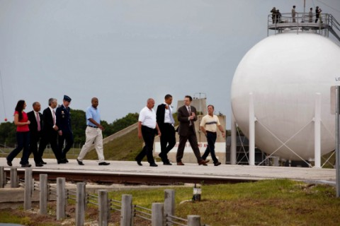 US-Präsident Obama auf dem Gelände des Kennedy Space Center (Foto: Weißes Haus/ Chuck Kennedy)