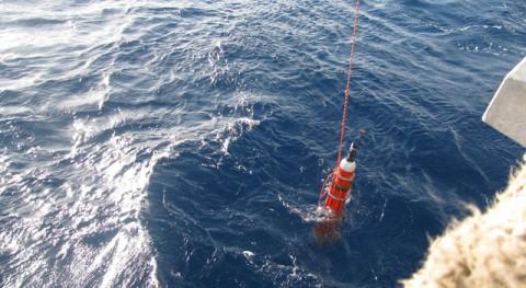 Solo-Trec bei der Bergung nach der ersten Mission (Foto: NASA/JPL/U.S. Navy/Scripps Institute of Oceanography)