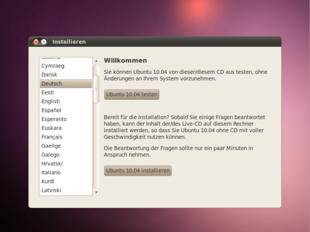Der neue Starter der Live-CD bietet die Möglichkeit, den Desktop zu starten oder Ubuntu zu installieren.