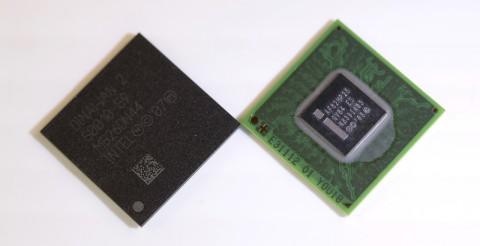 Atom Z600 (rechts) und I/O-Baustein