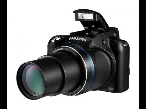 Die WB5500 ist eine Bridgekamera... (Foto: Samsung)