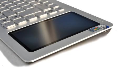 Der Touchscreen nimmt kaum Fingerabdrücke an.
