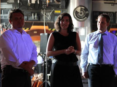 Jimmy Schulz (FDP), Dorothee Bär (CSU) und Manuel Höferlin (FDP) stellen die Pläne für die Bundestags-LAN-Party vor.