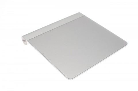Apples Magic Trackpad hat eine Auflagefläche von 13 x 11 cm.