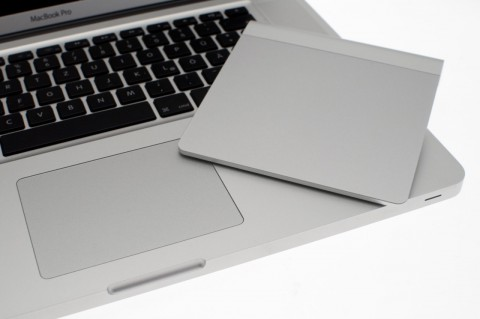 ... ist sichtbar größer als die Variante des Macbook Pro. Hier ein 15-Zoll-Modell.