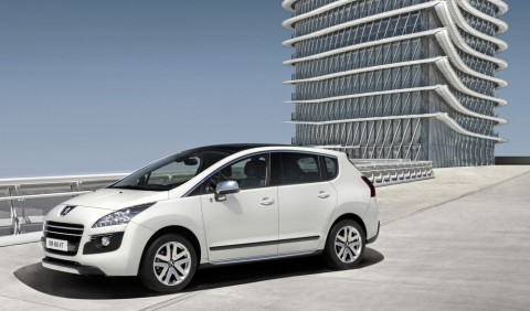 Peugeot 3008 Hybrid4  (Foto: Peugeot)