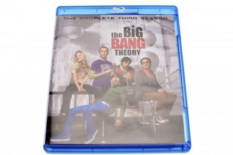 The Big Bang Theory, Staffel 3 aus den USA: Die Regionalangabe fehlt, die Disc läuft aber in B-Playern dennoch.