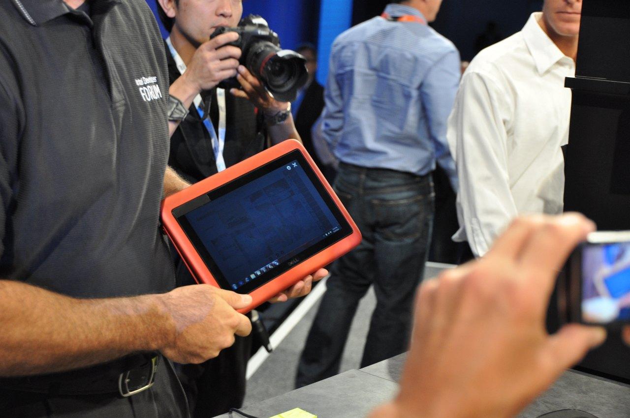 Inspiron Duo: Dells Tablet versteckt elegant seine Tastatur -
