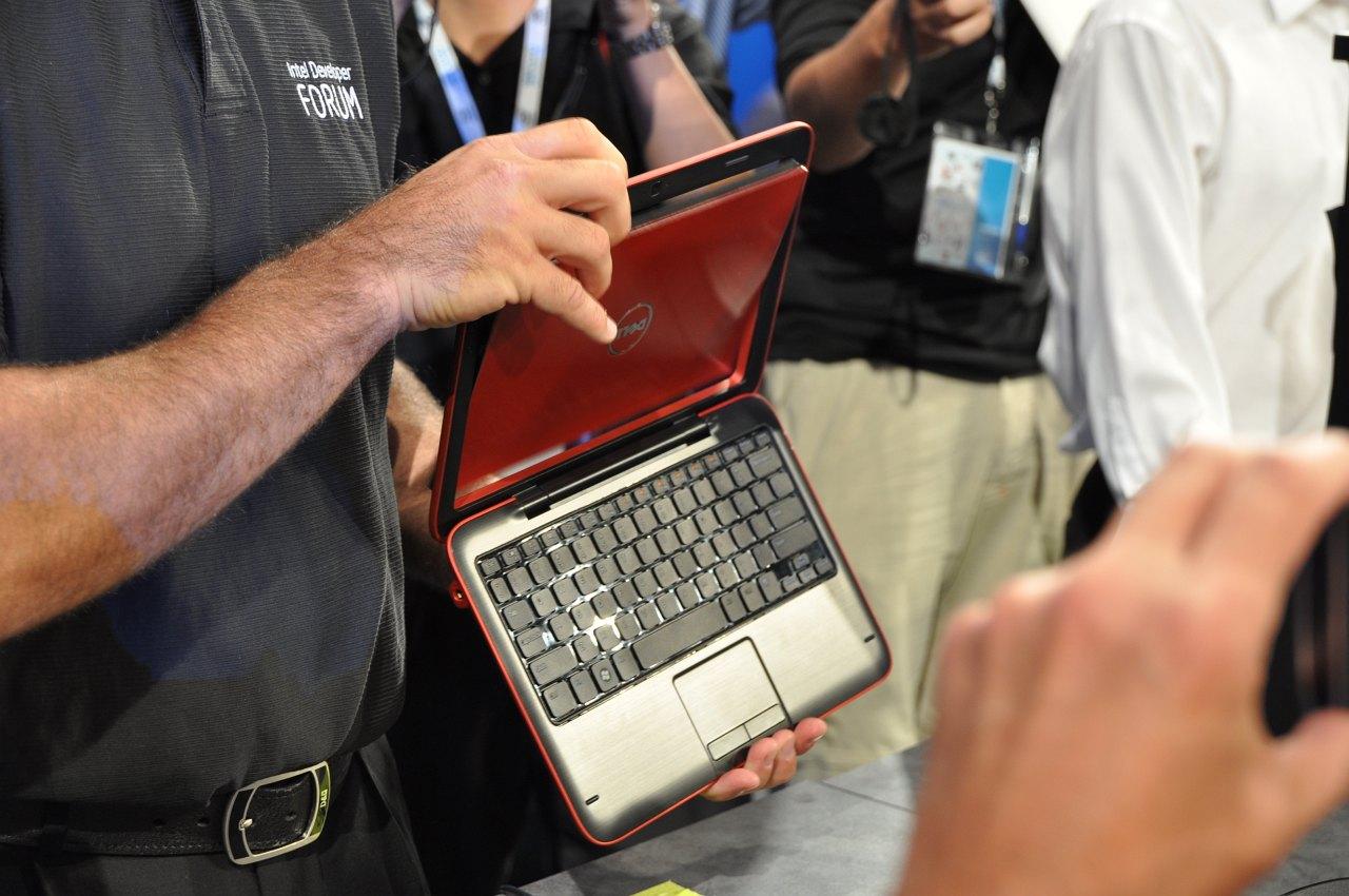Inspiron Duo: Dells Tablet versteckt elegant seine Tastatur - Inspiron Duo