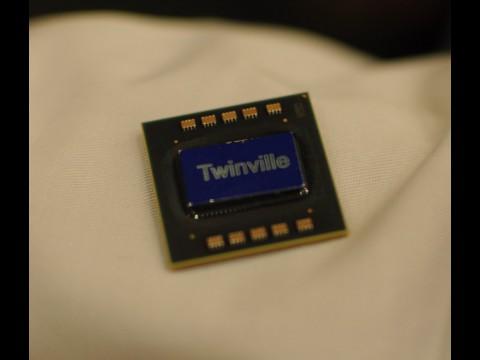 Twinville hat das Stepping A1 erreicht. Ab dem zweiten Quartal 2011 sollen die ersten Chips auf dem Markt erhältlich sein.