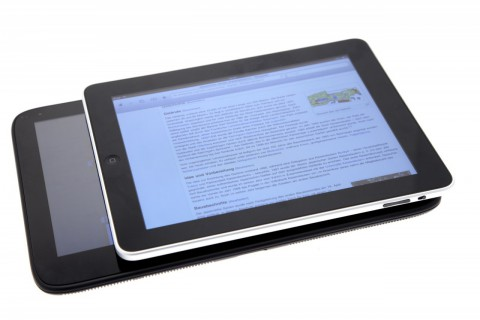 WeTab und iPad im Größenvergleich