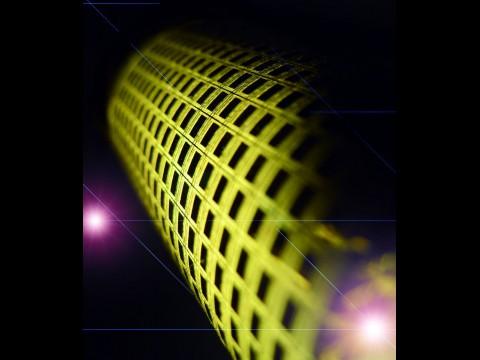 E-Skin: Jedes der dunklen Quadrate ist ein Pixel. (Bild: UC Berkeley)