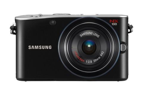 Samsungs neue Hybridkamera NX100 (Foto: Samsung)