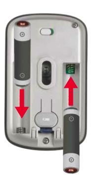 Sensoroberfläche: Nicht nur Apple baut Multitouch-Mäuse - Speedlink Cue - Batteriewechsel
