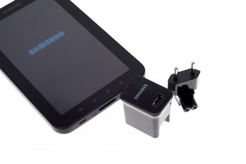 USB-Netzteil: Damit lässt sich das Galaxy Tab schneller aufladen als mit einem USB-Port eines Rechners.